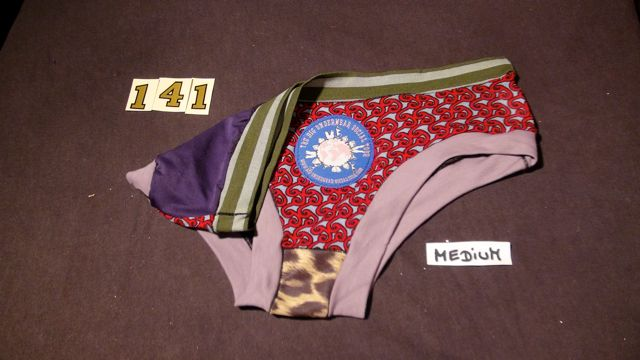 No. 141 Panties Medium
